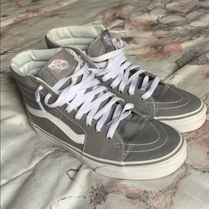 Sneakers ; High top vans